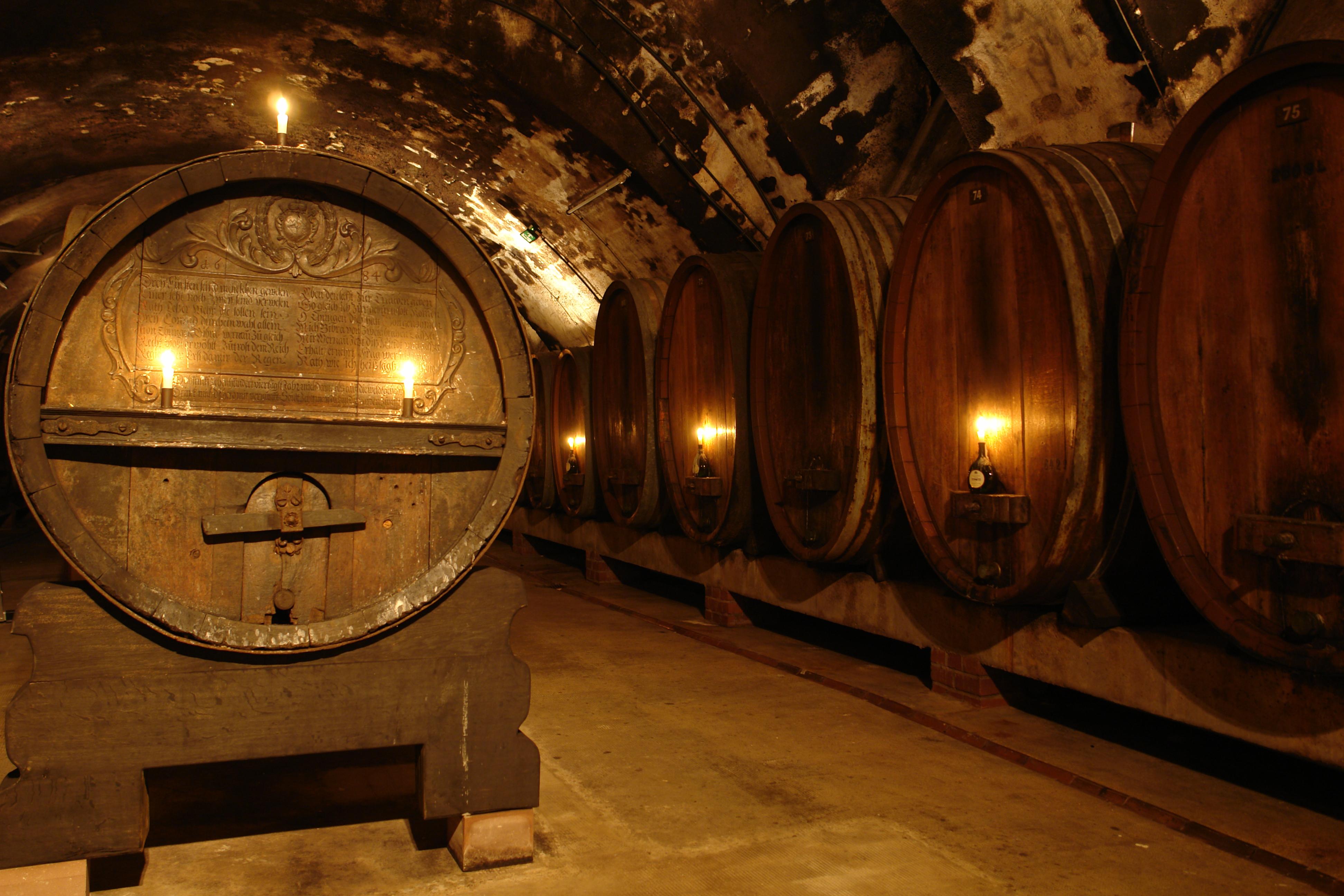 File:Residence Würzburg - Wine cellar 2.JPG - Wikimedia ...
