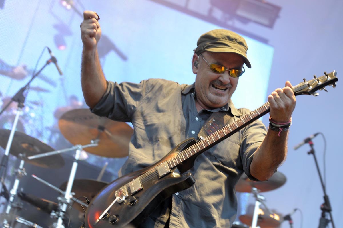 Germán Daffunchio durante en un concierto llamado ''Rock en Parque Roca''. 28 de enero de 2012