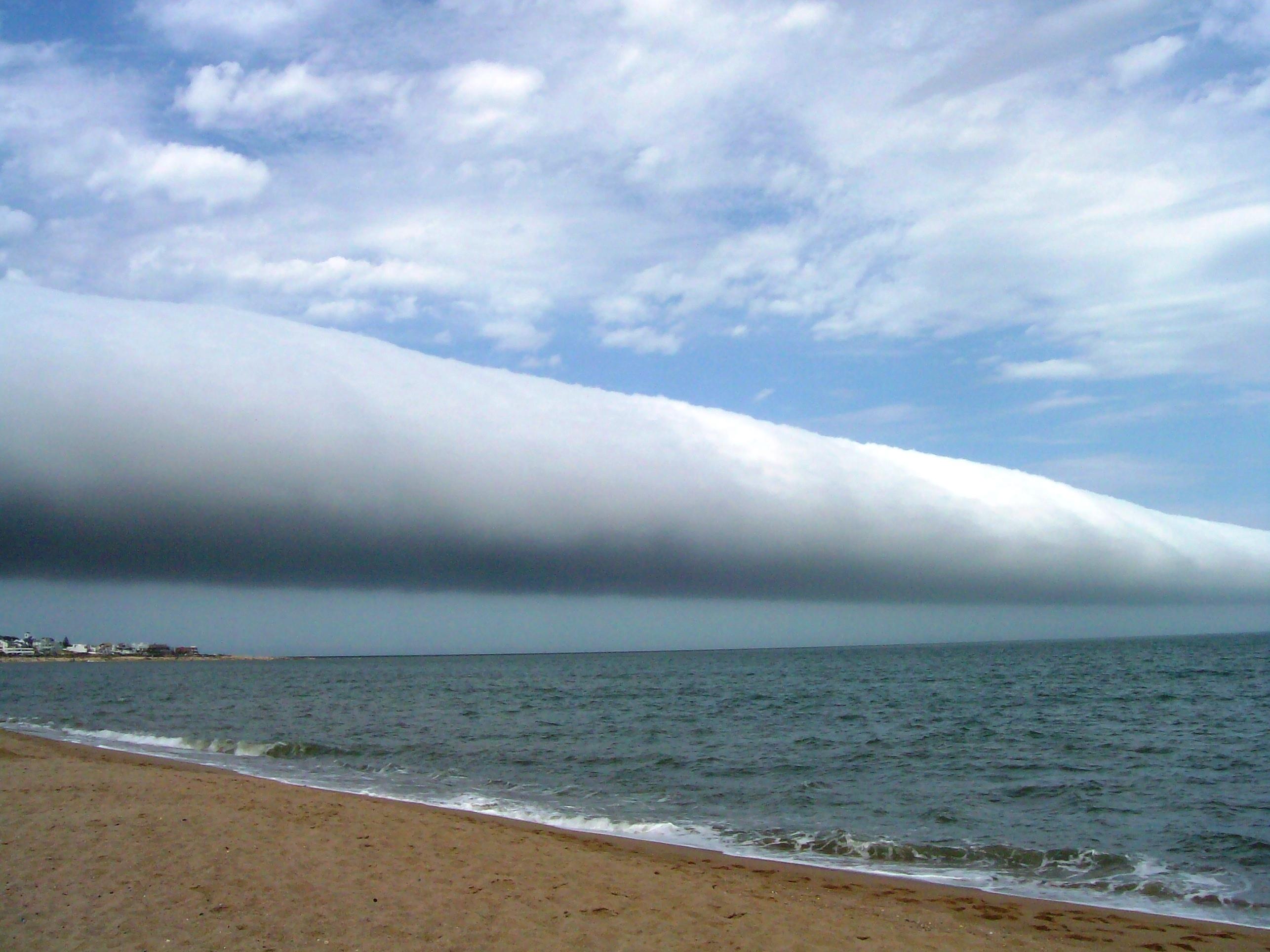 Рулонные облака