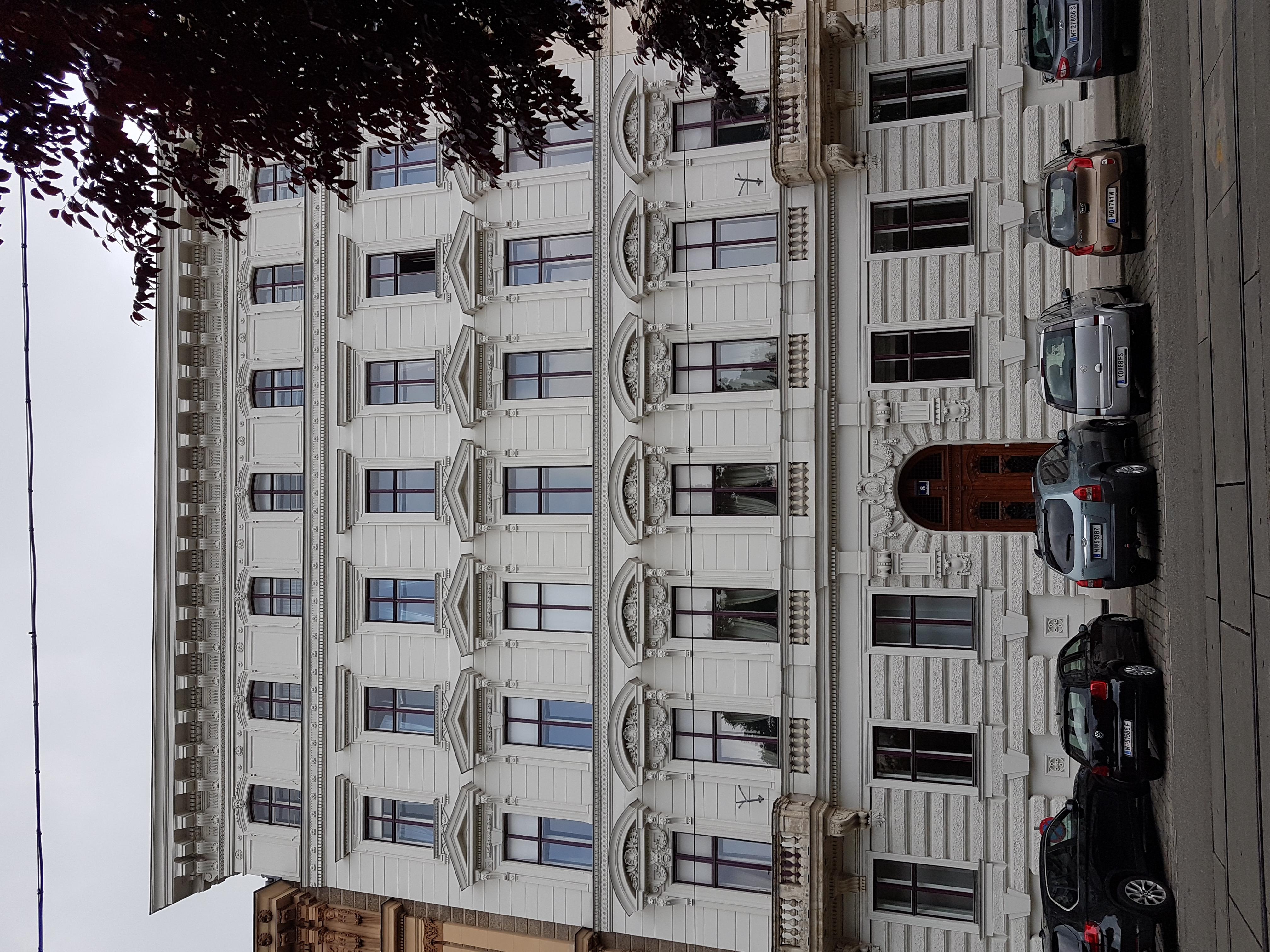 Schmerlingplatz 8.jpg