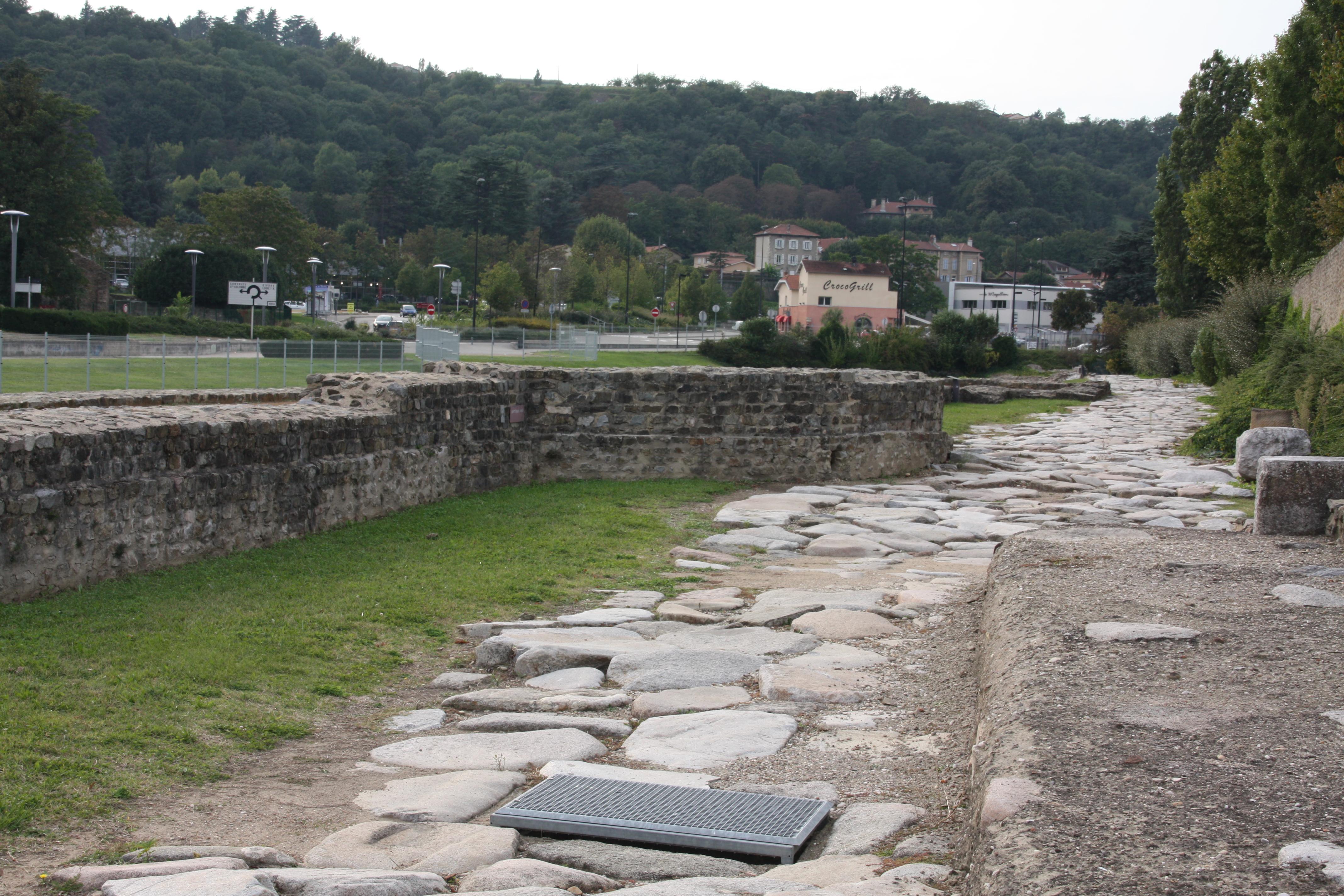 file site arch ologique de saint romain en gal 019 jpg wikimedia commons. Black Bedroom Furniture Sets. Home Design Ideas