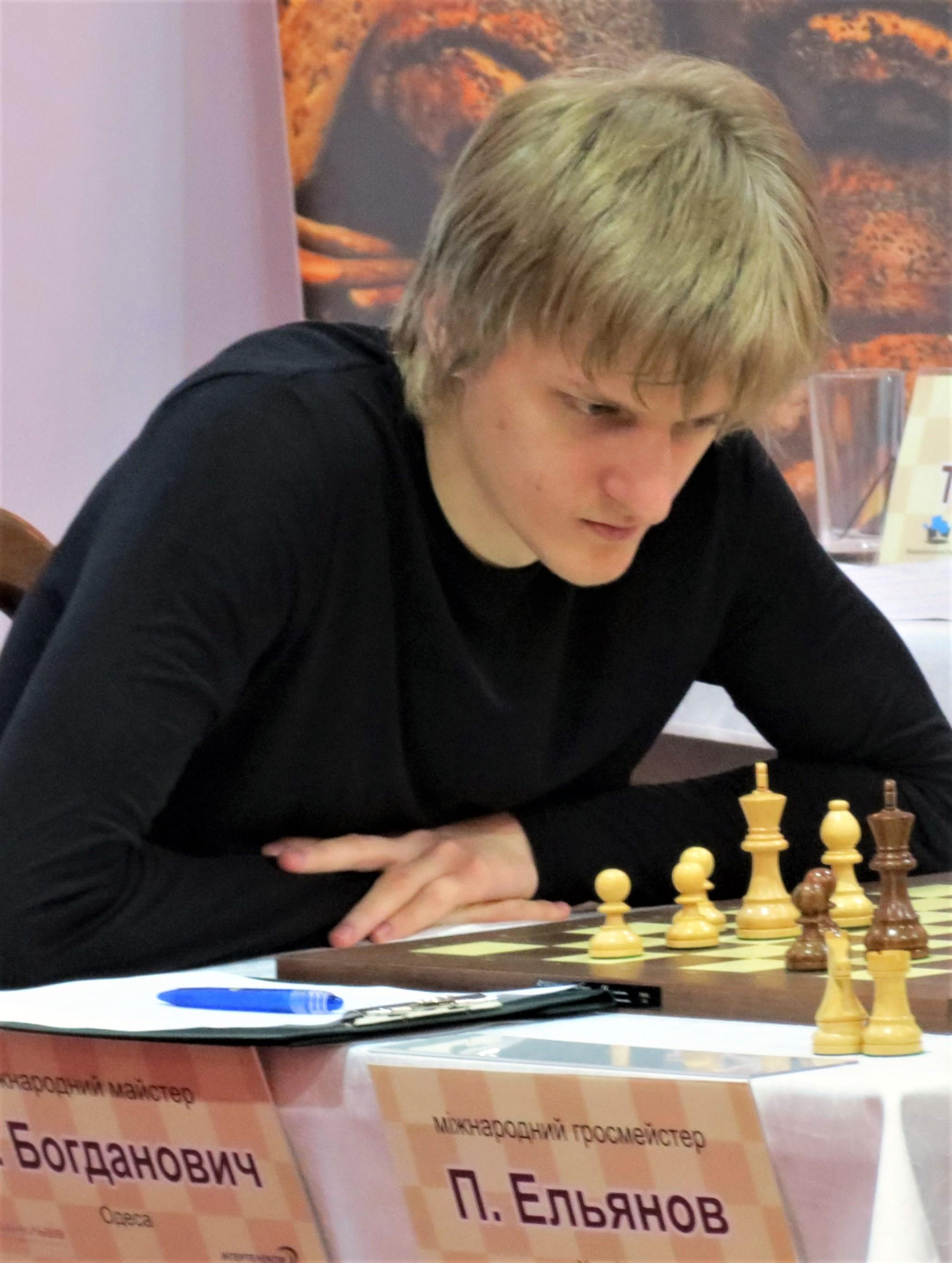 https://upload.wikimedia.org/wikipedia/commons/0/08/Stanislav_Bogdanovich_2014