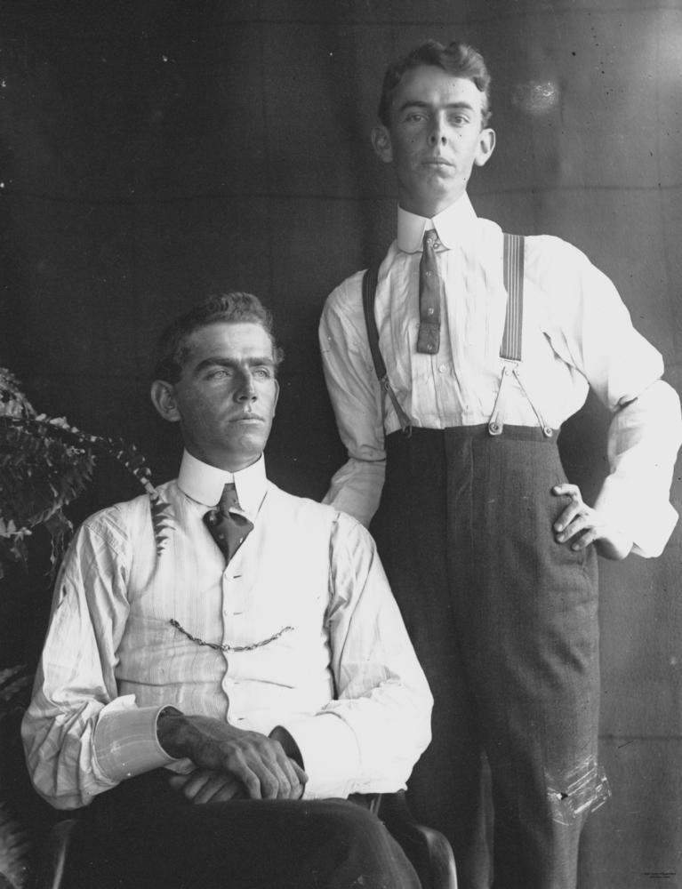 1920 men fashion suspenders
