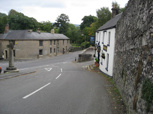 Stoney Middleton - High Street junction with The Avenue (A623) - geograph.org.uk - 987974