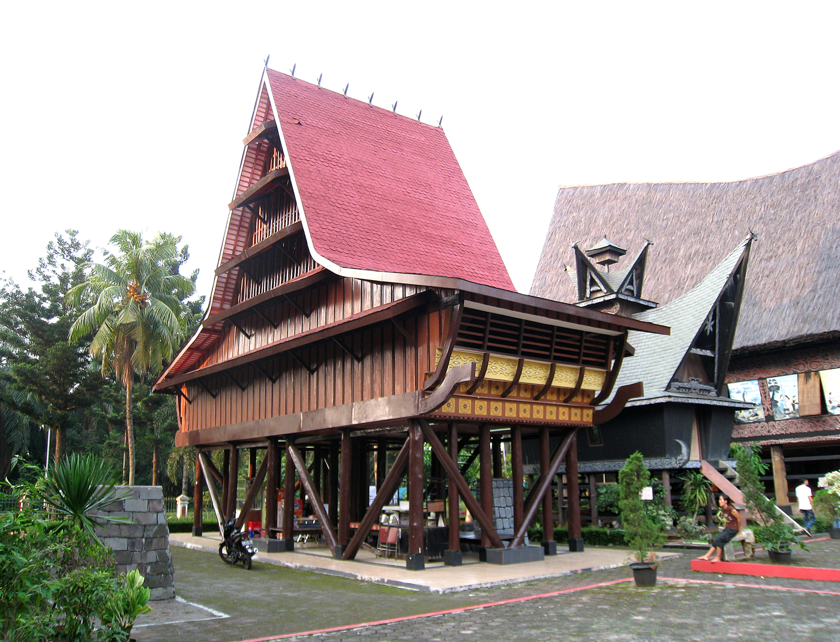 Description TMII Nias House.JPG