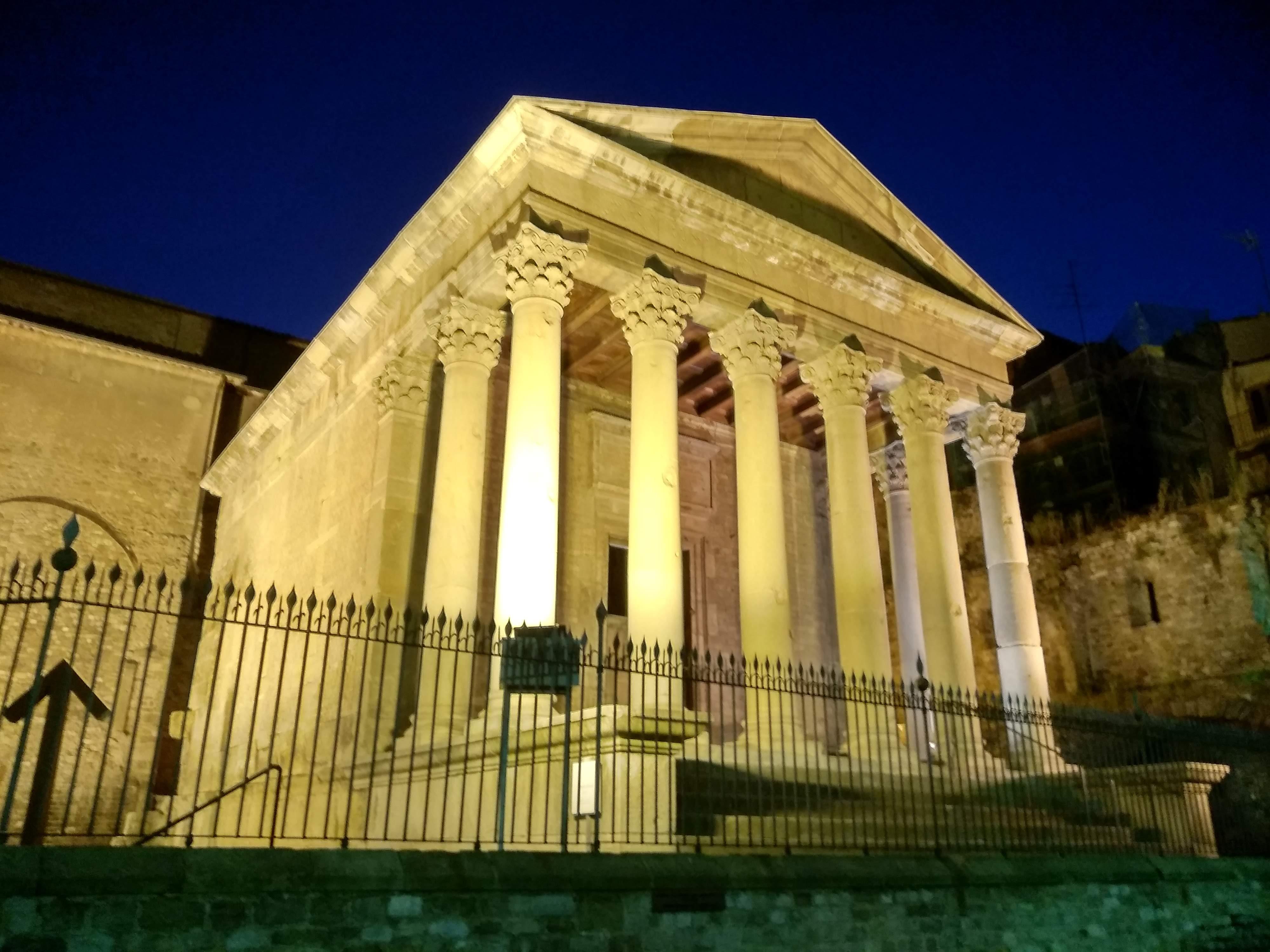 File Templo Romano De Vic Jpg Wikimedia Commons