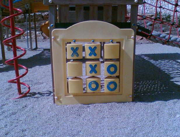 File:Tic tac toe 7.JPG - Wikimedia Commons
