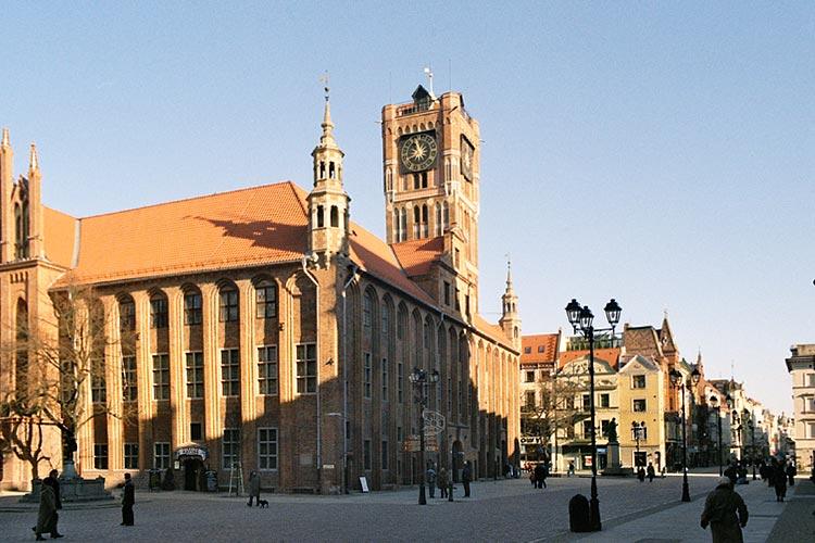 Fájl:Torun-Rynek-ratusz-2.jpg