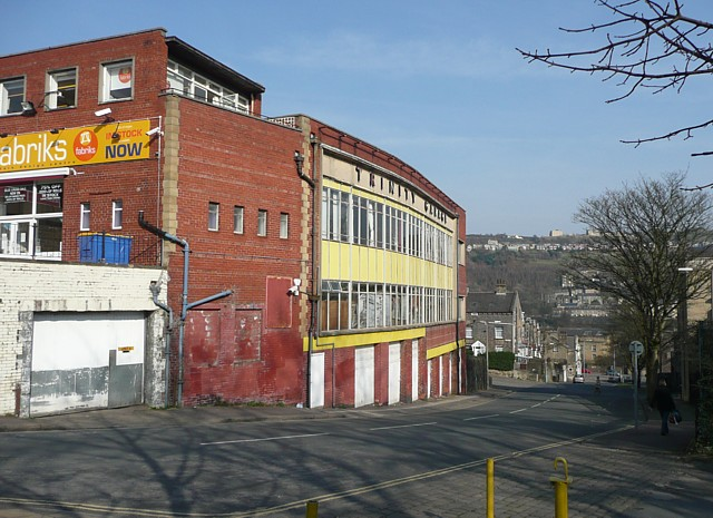 Great File:Trinity Garage, Hunger Hill, Halifax   Geograph.org.uk