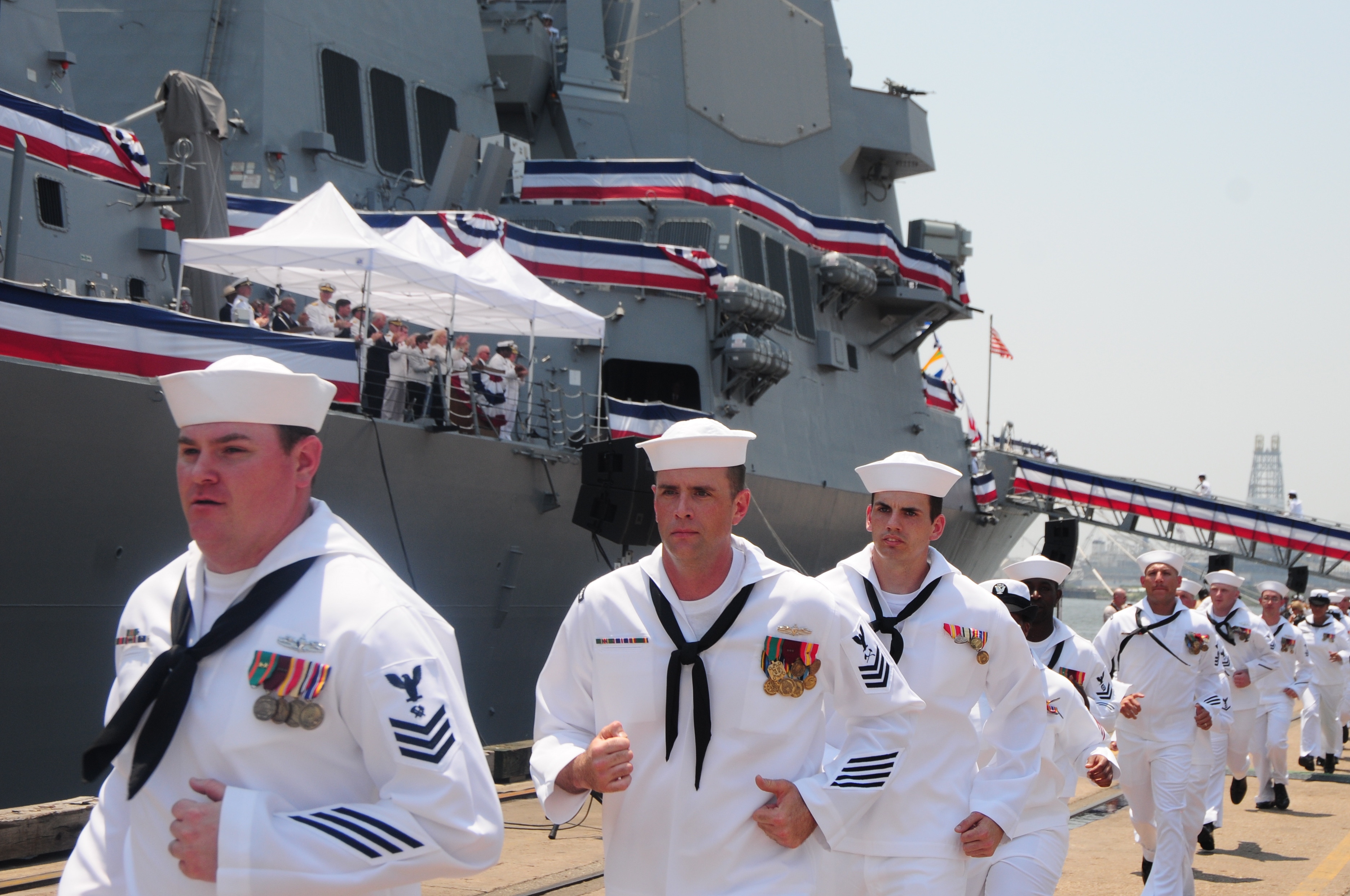File:US Navy 110604-N-WI828-001 Sailors assigned to the Arleigh ...