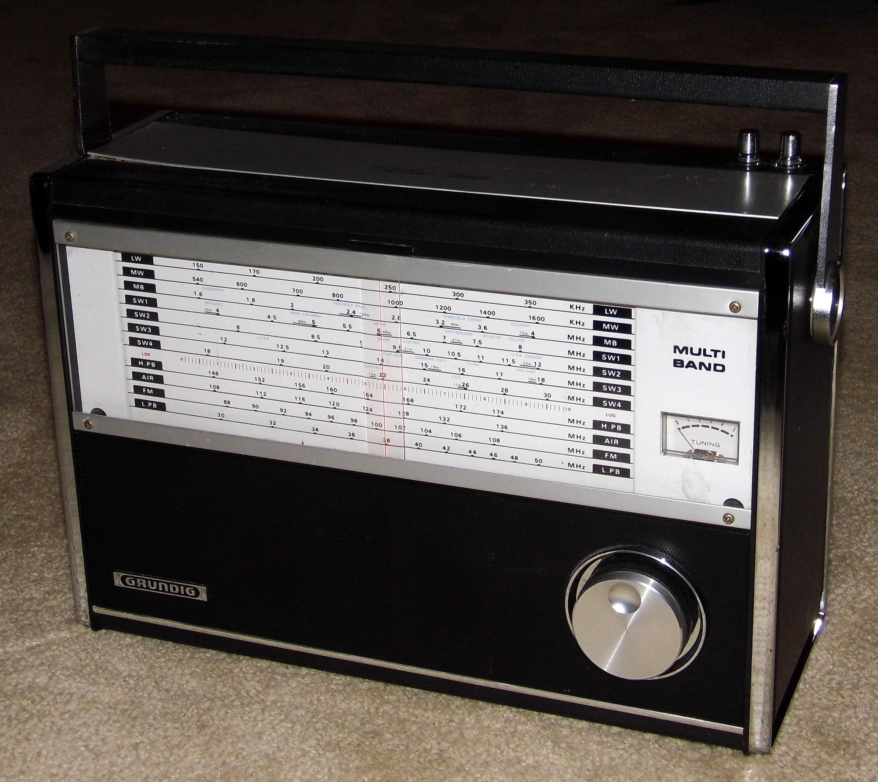 vintage radio scanner
