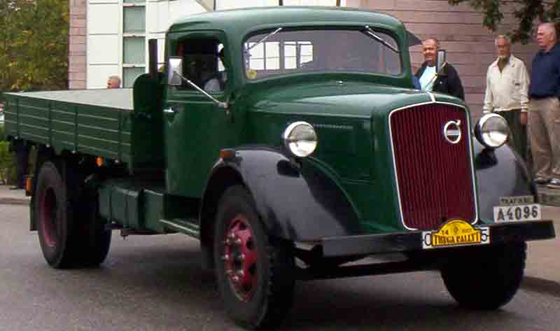 Sd Kfz further Farm Children furthermore Dodge WC54 together with 3003641 Ever See Or Hear Of A 1989 Corvette Stingray Rx as well Spotlight Les Inrocks On Hopper Marilyn And Peellaert. on 1938 power wagon