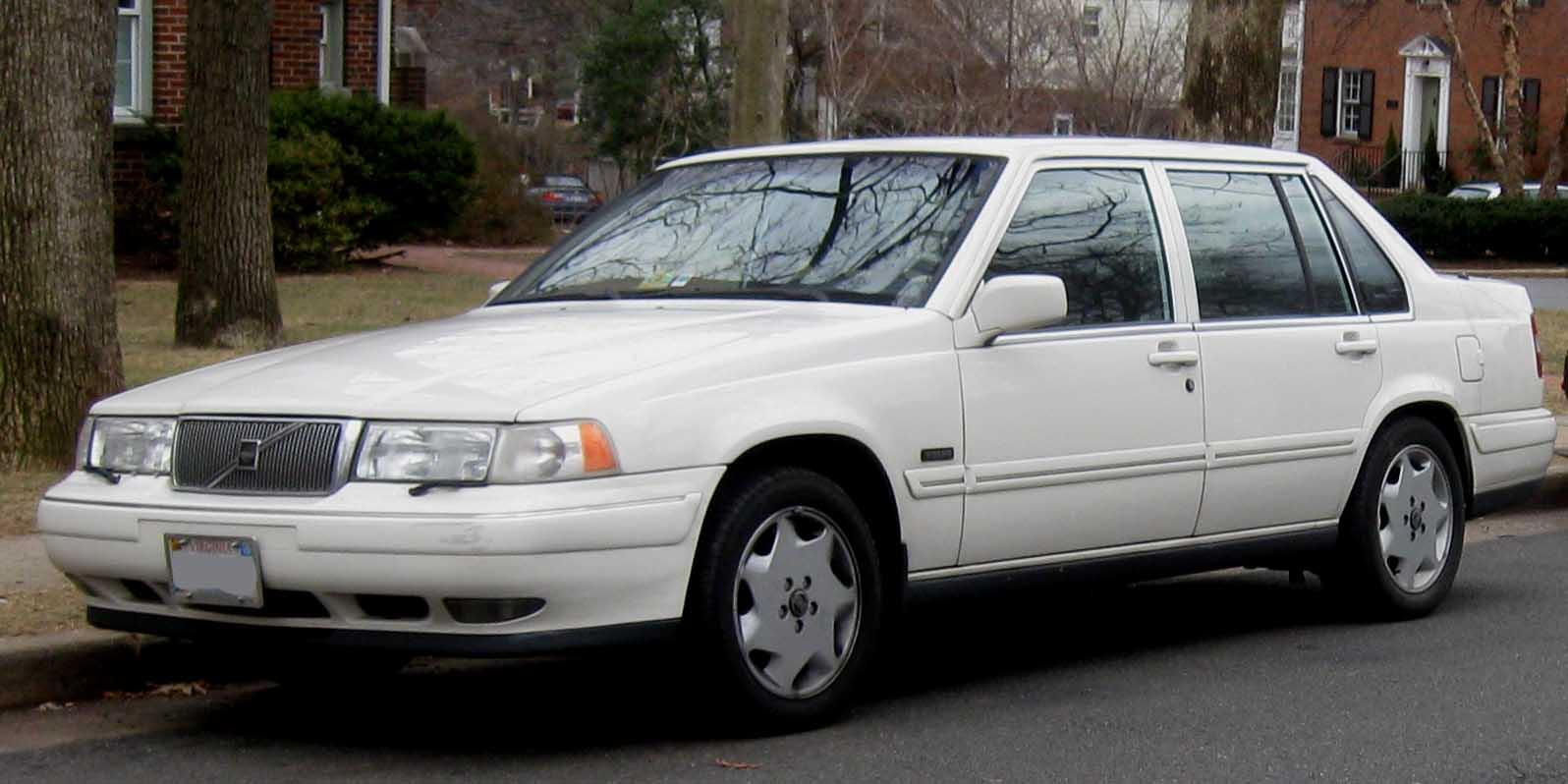 Volvo S90 1997 год.
