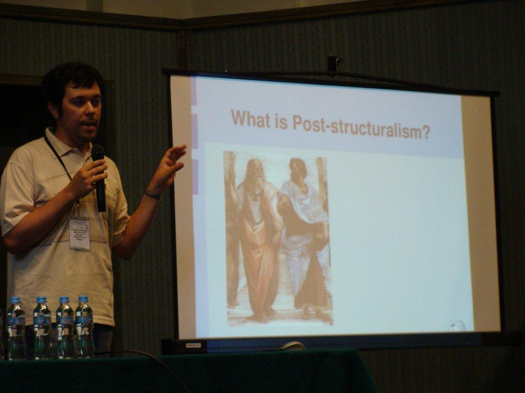 Wikimania 2010 - Presentation- An interdisciplinary approach to Wikipedia (I)