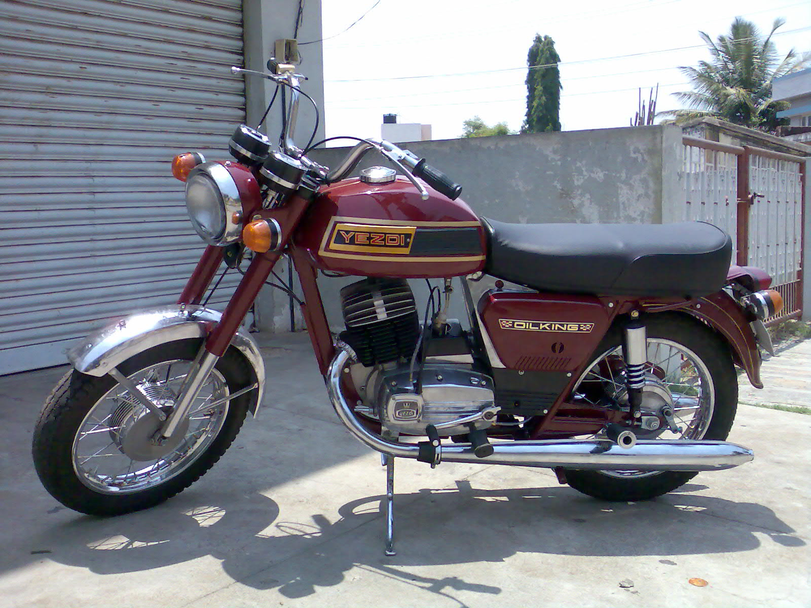 file yezdi oilking jpg wikimedia commons 1978 yamaha enticer 250 wiring diagram yamaha majesty 250 wiring diagram