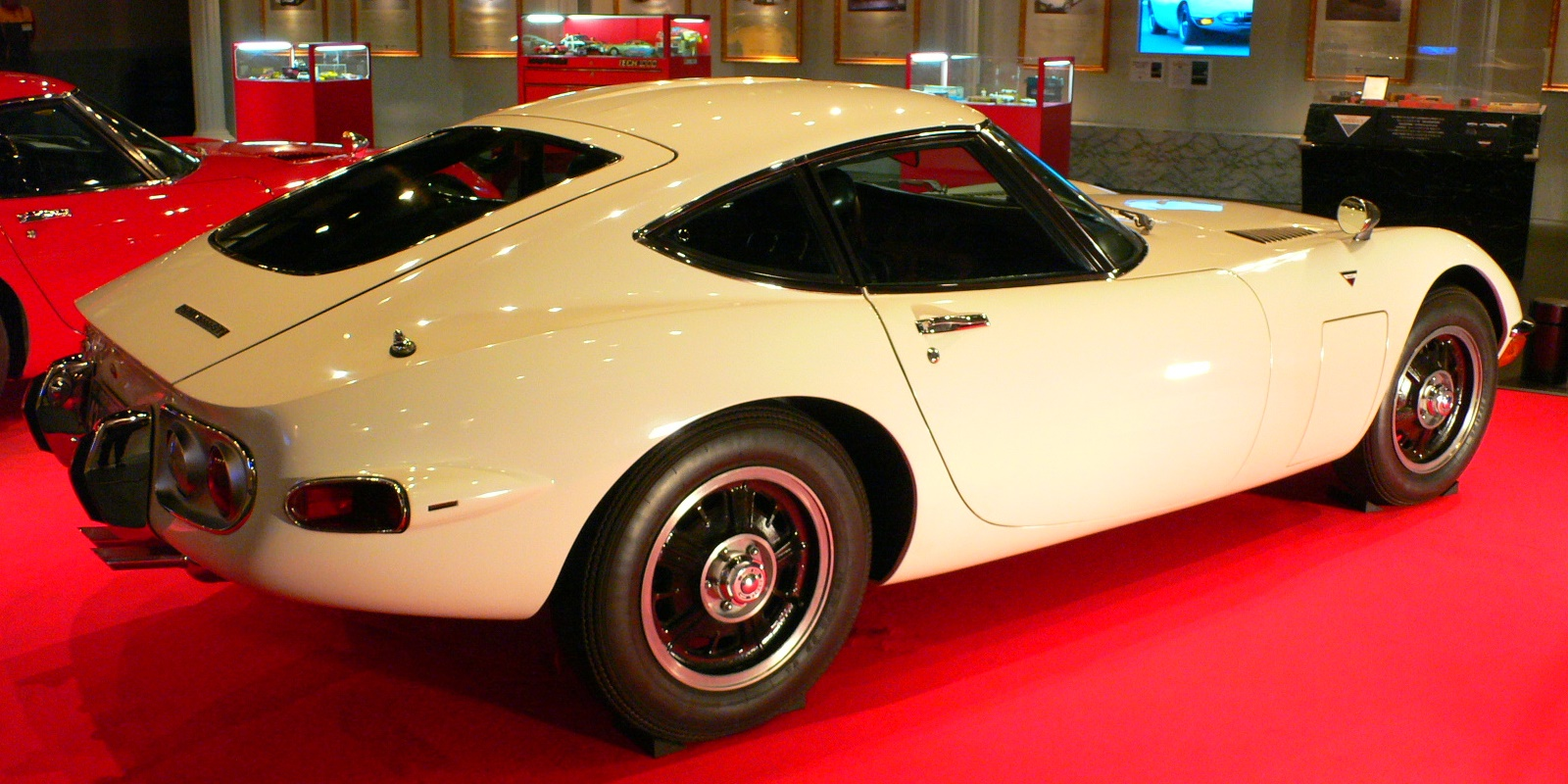 file 1969 toyota 2000gt wikimedia commons. Black Bedroom Furniture Sets. Home Design Ideas