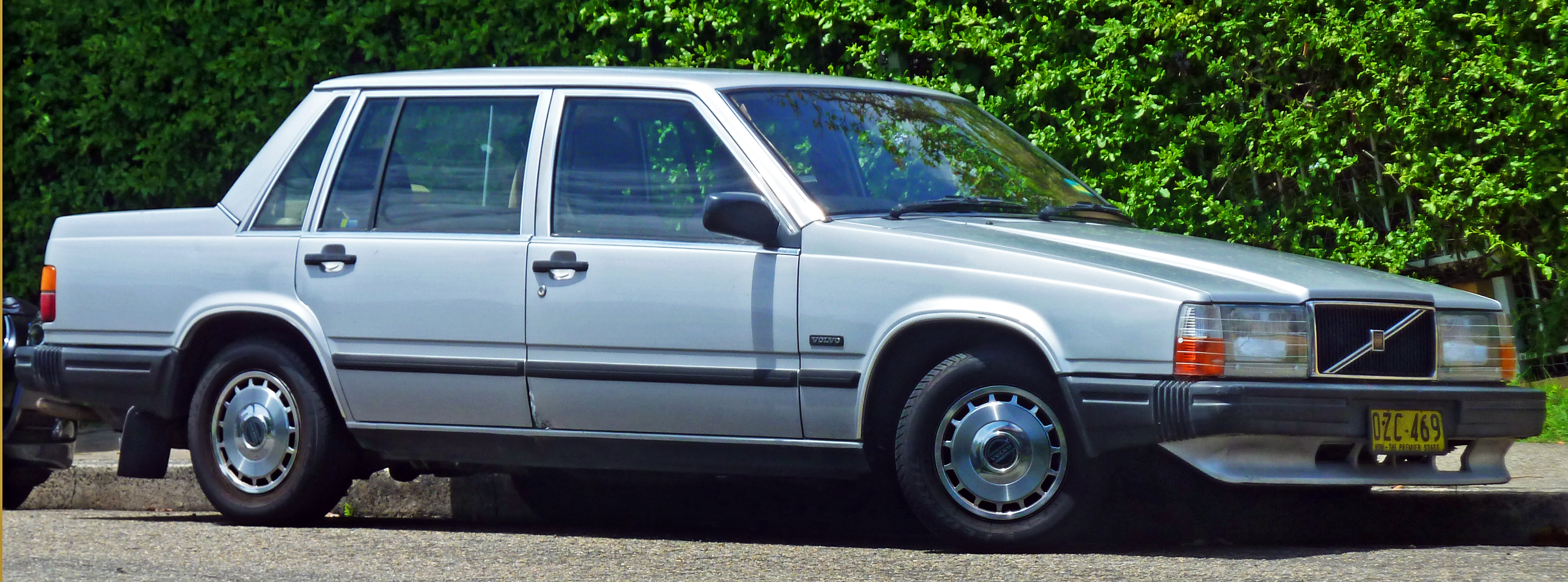 File 1985-1989 Volvo 740 Gl Sedan  2011-01-12  Jpg