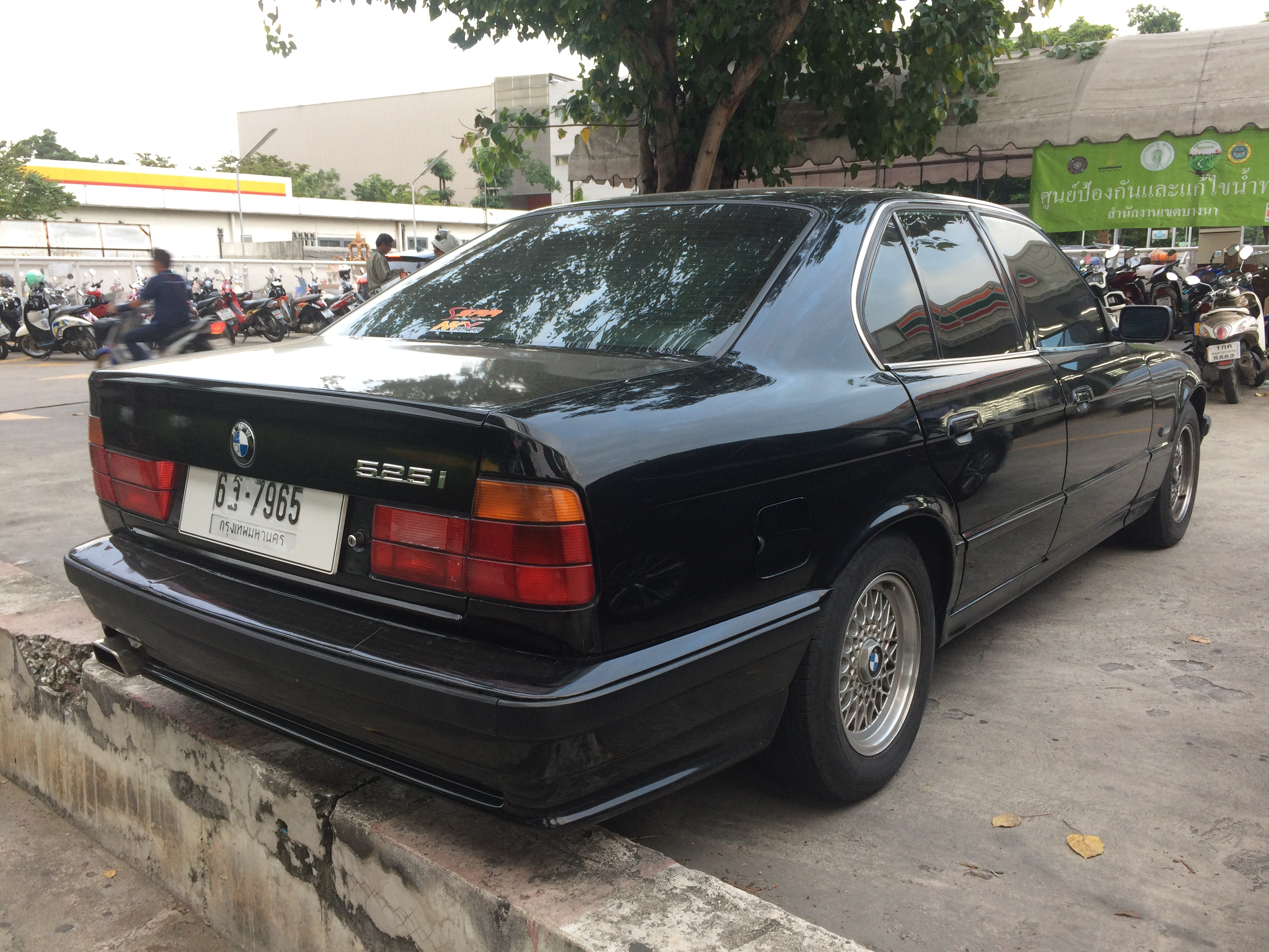 01 bmw 525i