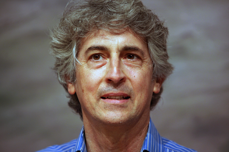 The 57-year old son of father (?) and mother(?) Alexander Payne in 2018 photo. Alexander Payne earned a  million dollar salary - leaving the net worth at 25 million in 2018