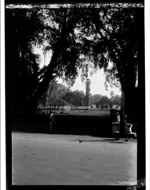 File:Alun - Alun di Purwokerto, 1931.jpg