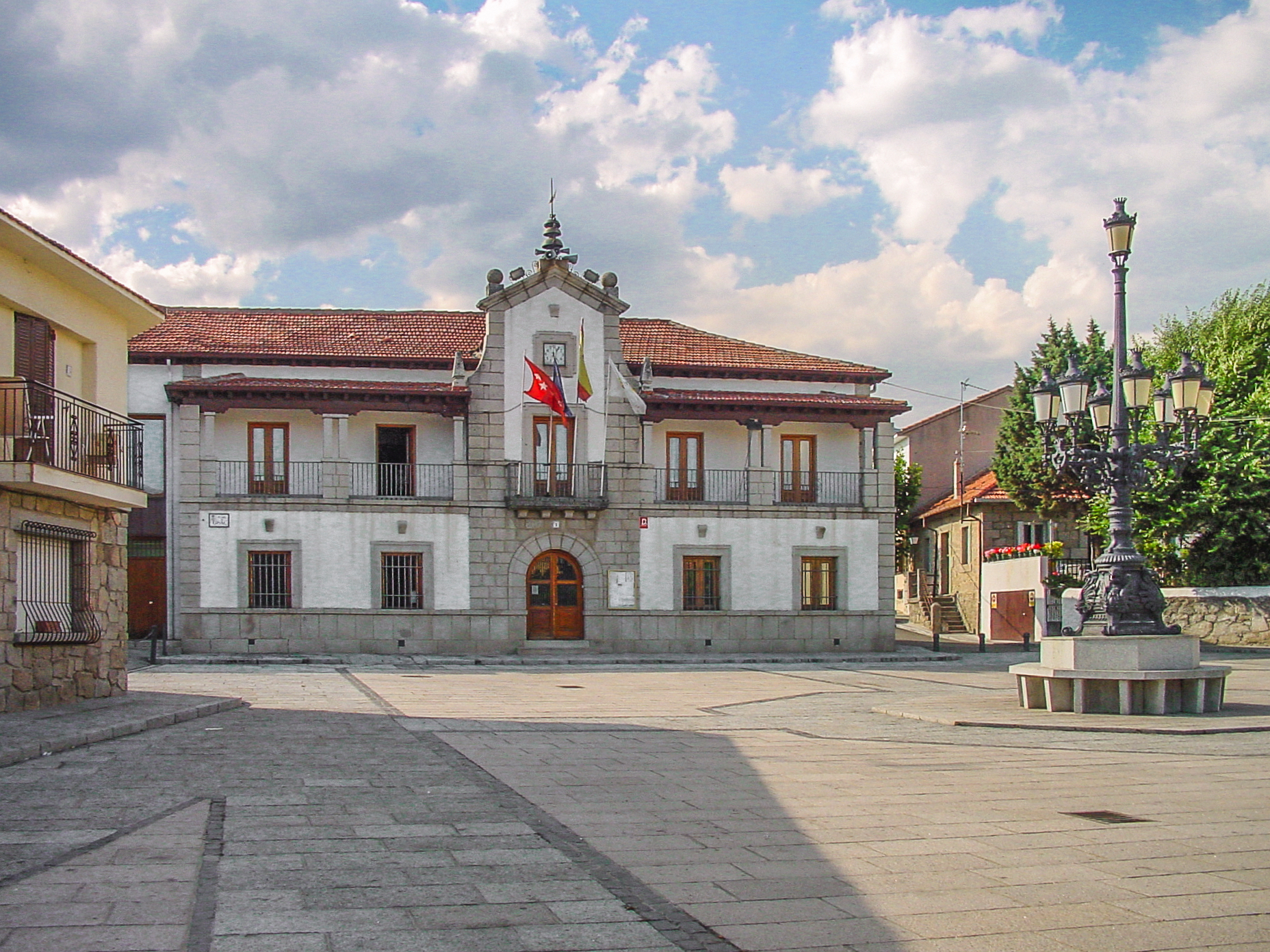 Fitxer ayuntamiento de los molinos for Ayuntamiento de villel de mesa