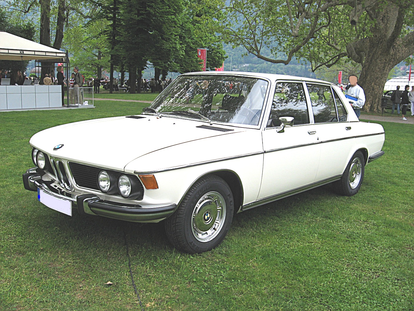FileBMW SE FrontviewJPG Wikimedia Commons - 3 0 bmw