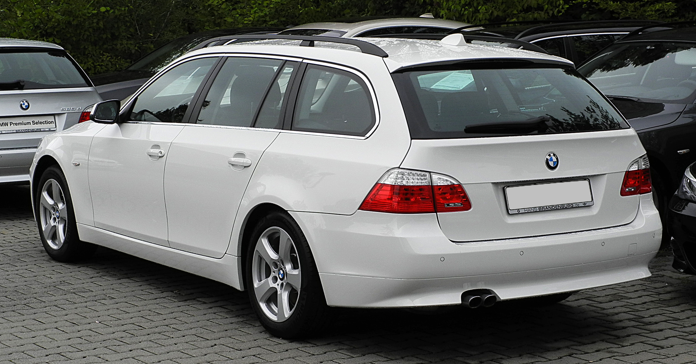 file bmw 525d xdrive touring e61 facelift heckansicht 26 juni 2011. Black Bedroom Furniture Sets. Home Design Ideas