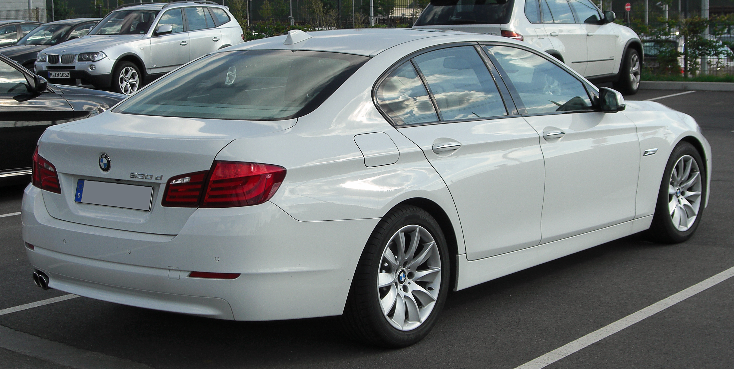 File Bmw 530d F10 Rear 20100821 Jpg Wikimedia Commons