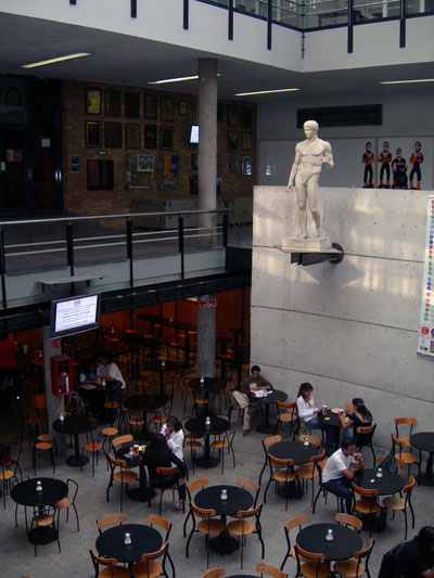 File cafeteria facultad de arquitectura unam jpg for Decano dela facultad de arquitectura