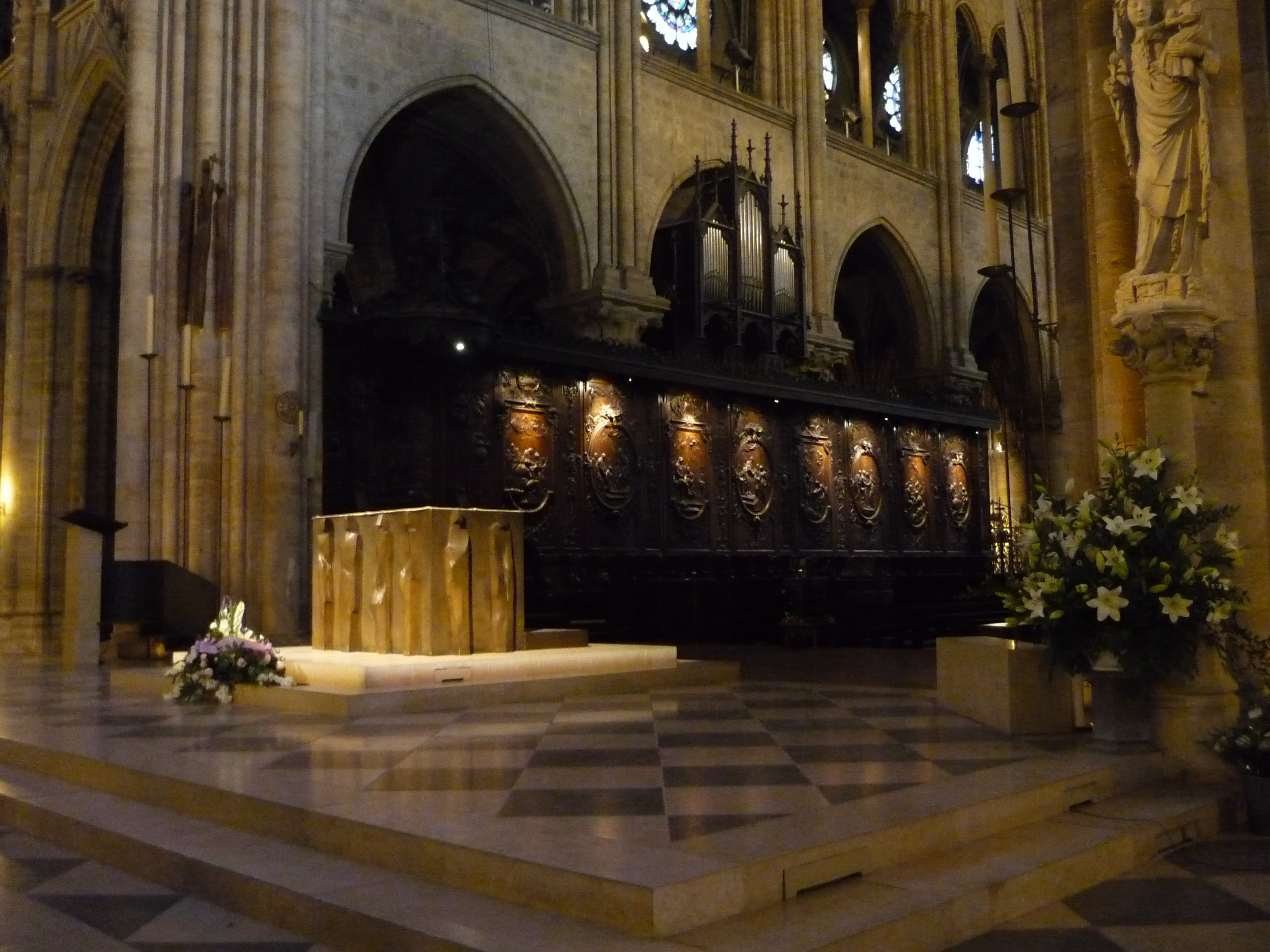 File choir stalls notre dame paris zm jpg wikimedia for Interior design wikipedia