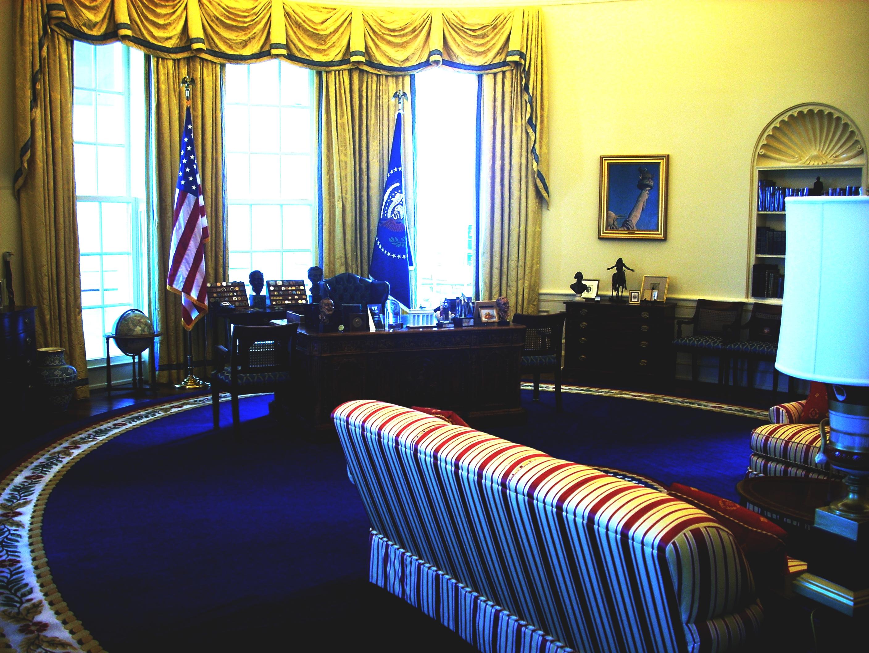 FileClinton Oval Office museumjpg Wikimedia Commons