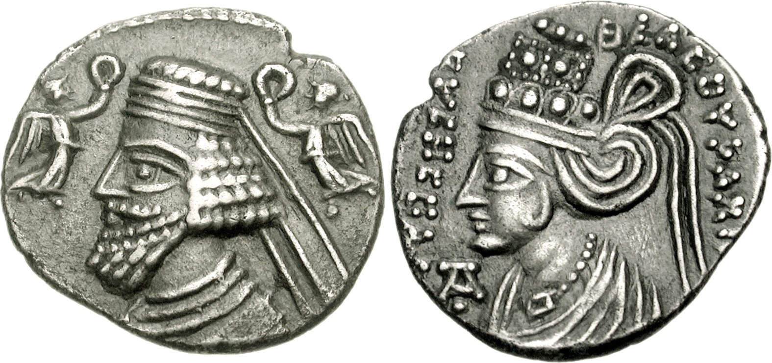 Coin of the Parthian king Phraataces and of Musa