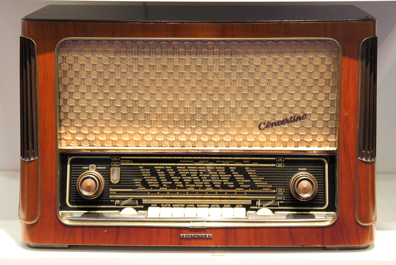 File:Deutsches Rundfunk-Museum Ausstellung auf der IFA ...