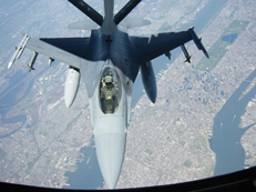 F-16 Fighting Falcon being refueled over Manhattan.jpg