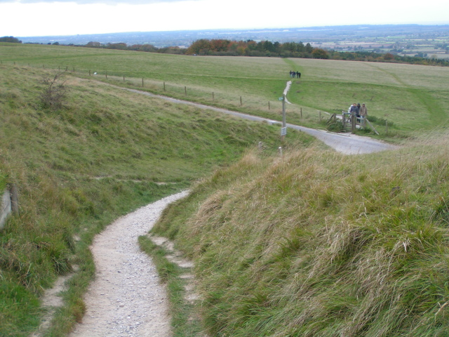 File:Footpath from the car park to the White Horse, Uffington - geograph.org.uk - 1015900.jpg