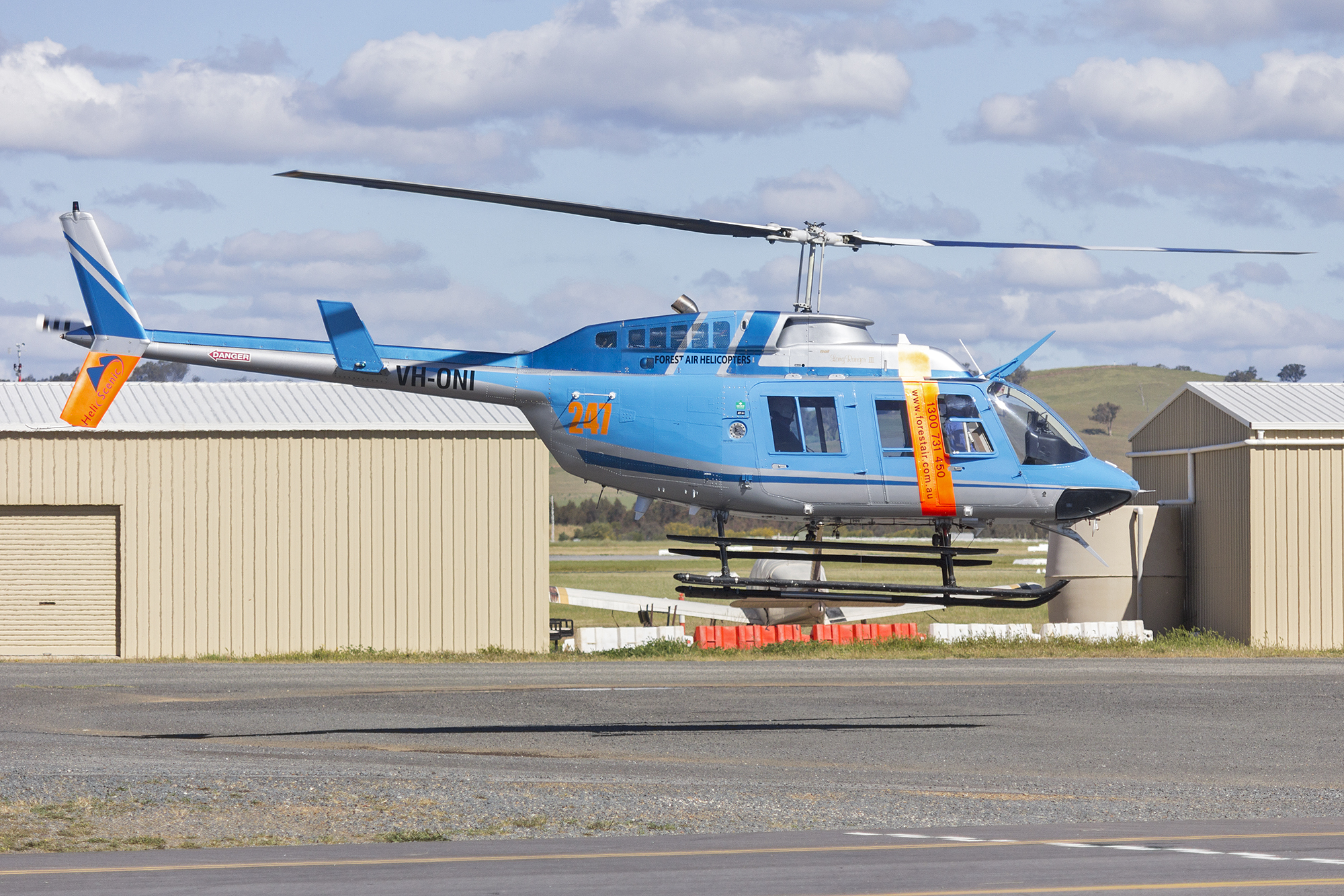 File:Forest Air Helicopters (VH-ONI) Bell 206L-3 LongRanger III