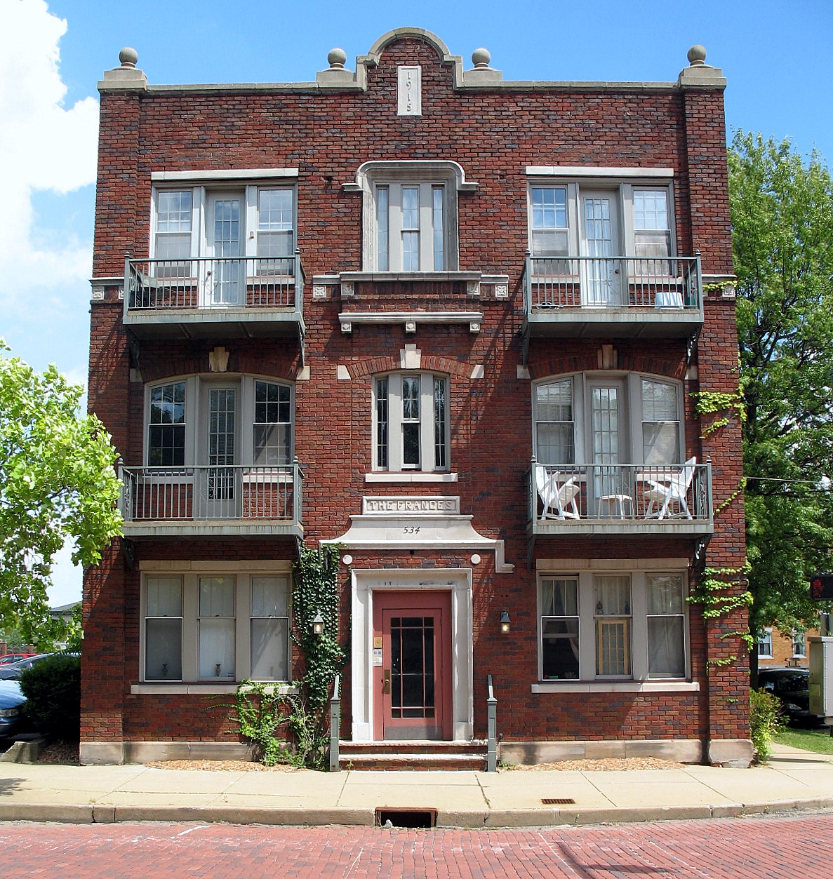 Apartement: File:Frances Apartment Building, 534 Cleveland Ave., SW
