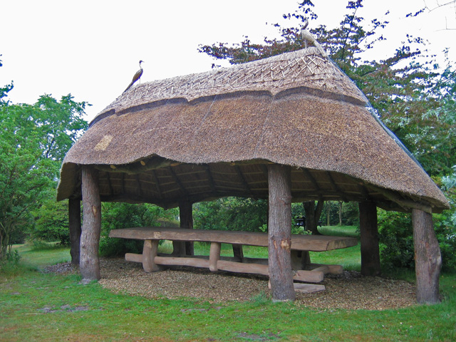 Furzey Gardens, Thatched shelter - geograph.org.uk - 1408001