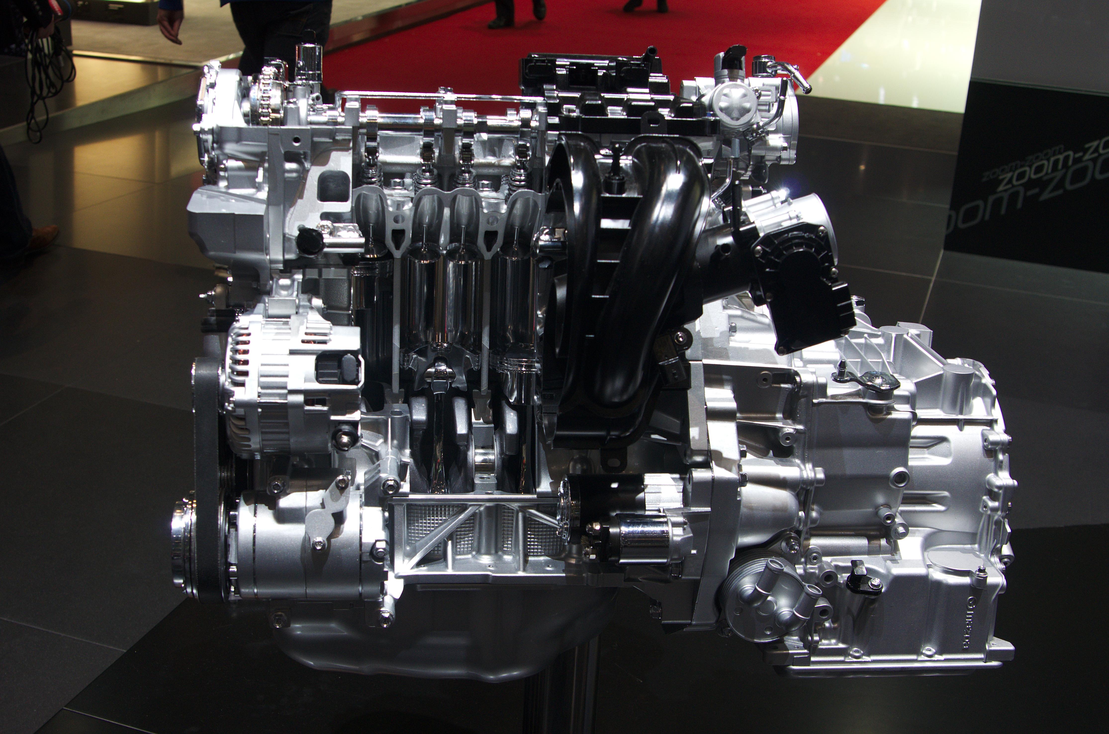 file:geneva motorshow 2013 - mazda skyactiv-g2.5l engine