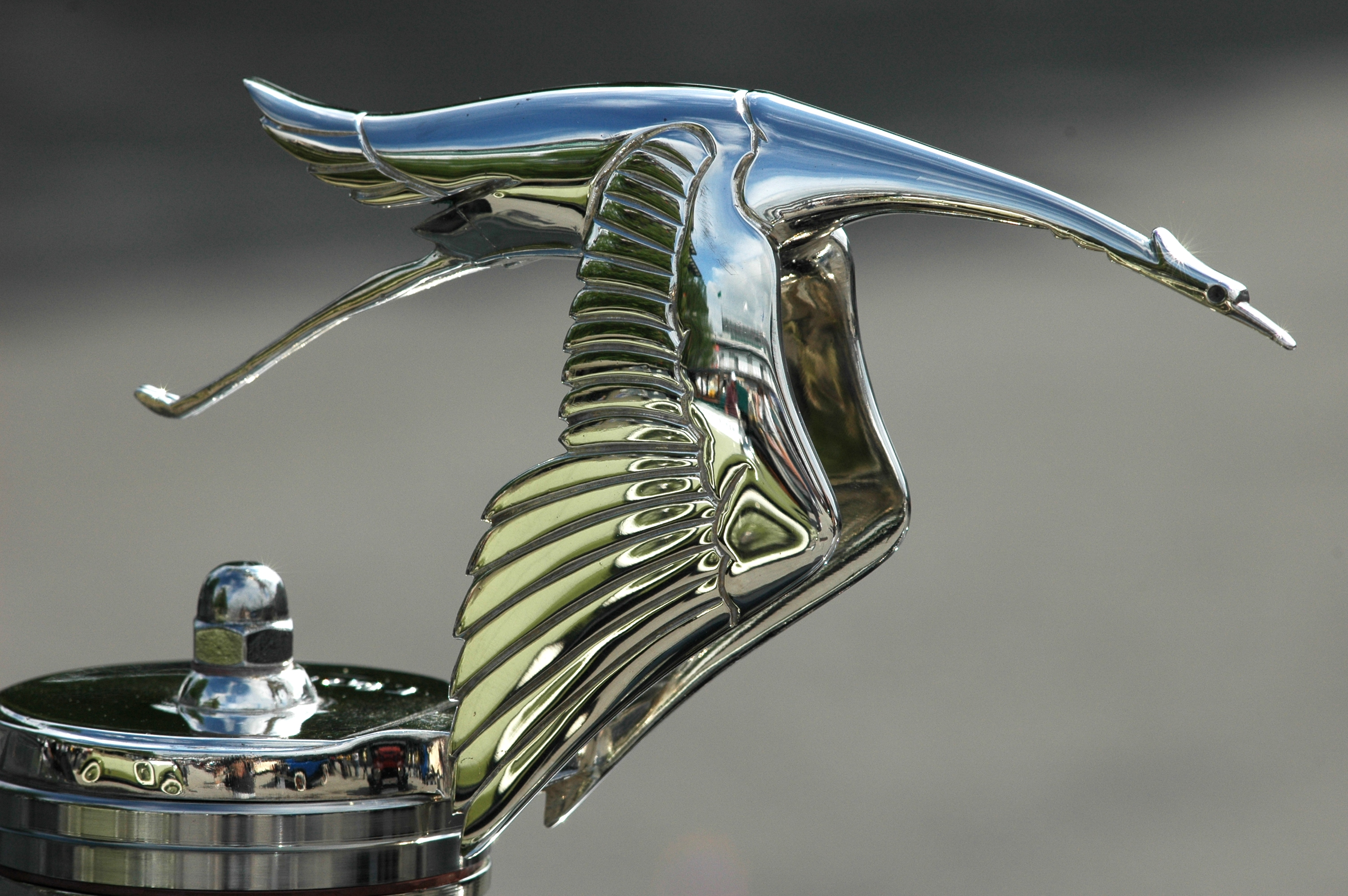File Hispano Suiza Hood Ornament Jpg Wikimedia Commons