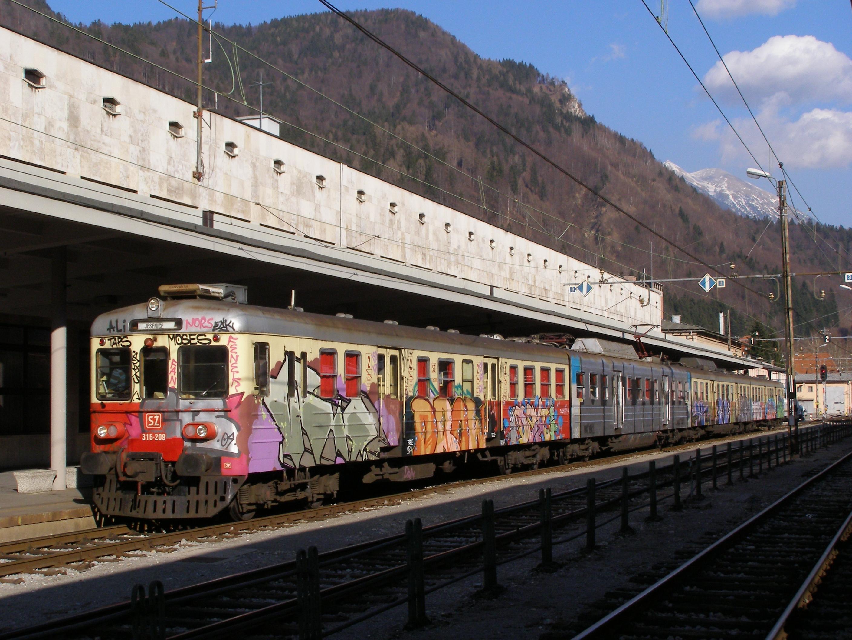Železniška postaja Jesenice