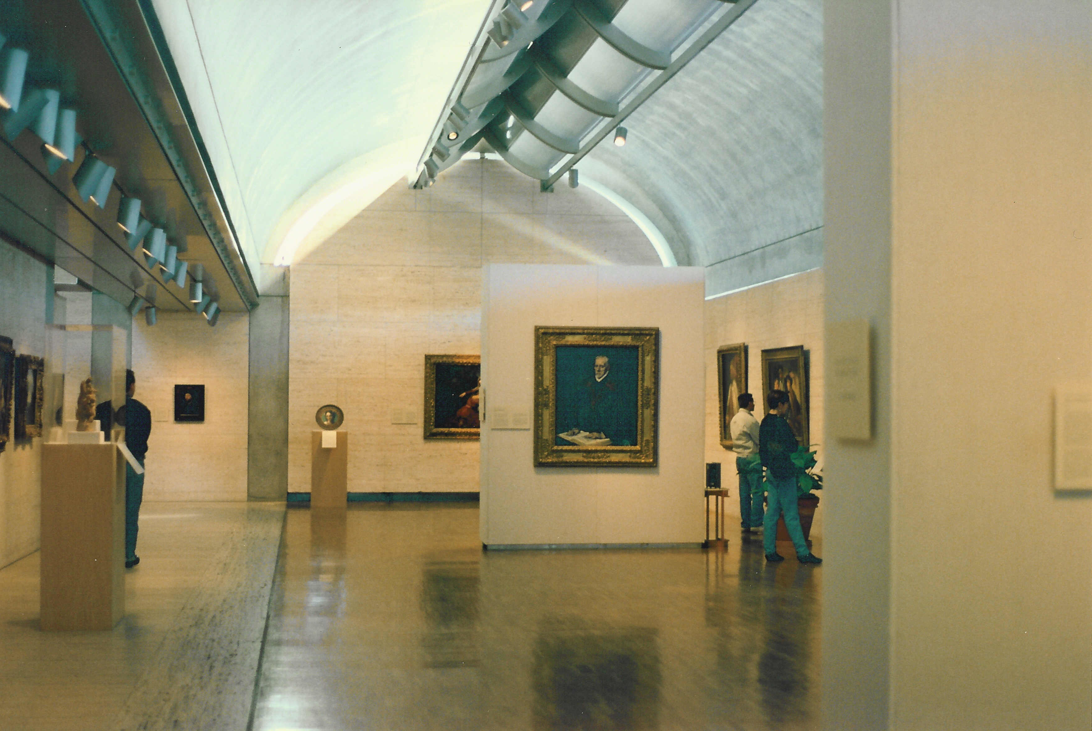 Descripci  243 n Kimbell Art Museum interior jpgKimbell Art Museum Light
