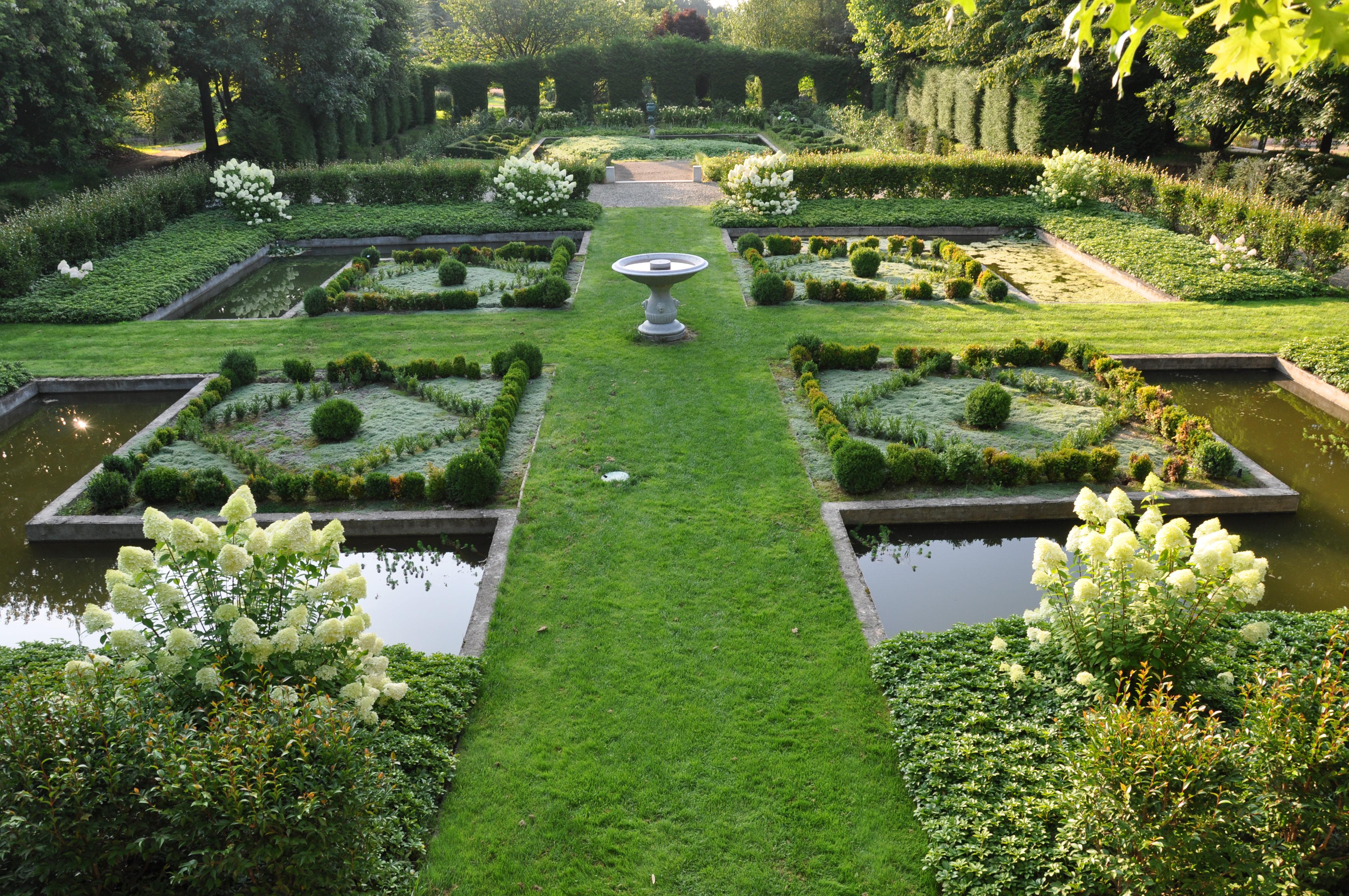 Infos et horaires des administrations de le jardin for Photos de jardin