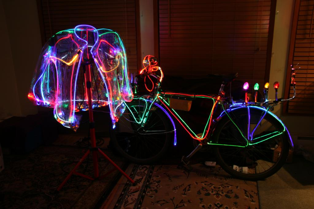 Bikes Lites An illuminated bicycle jacket