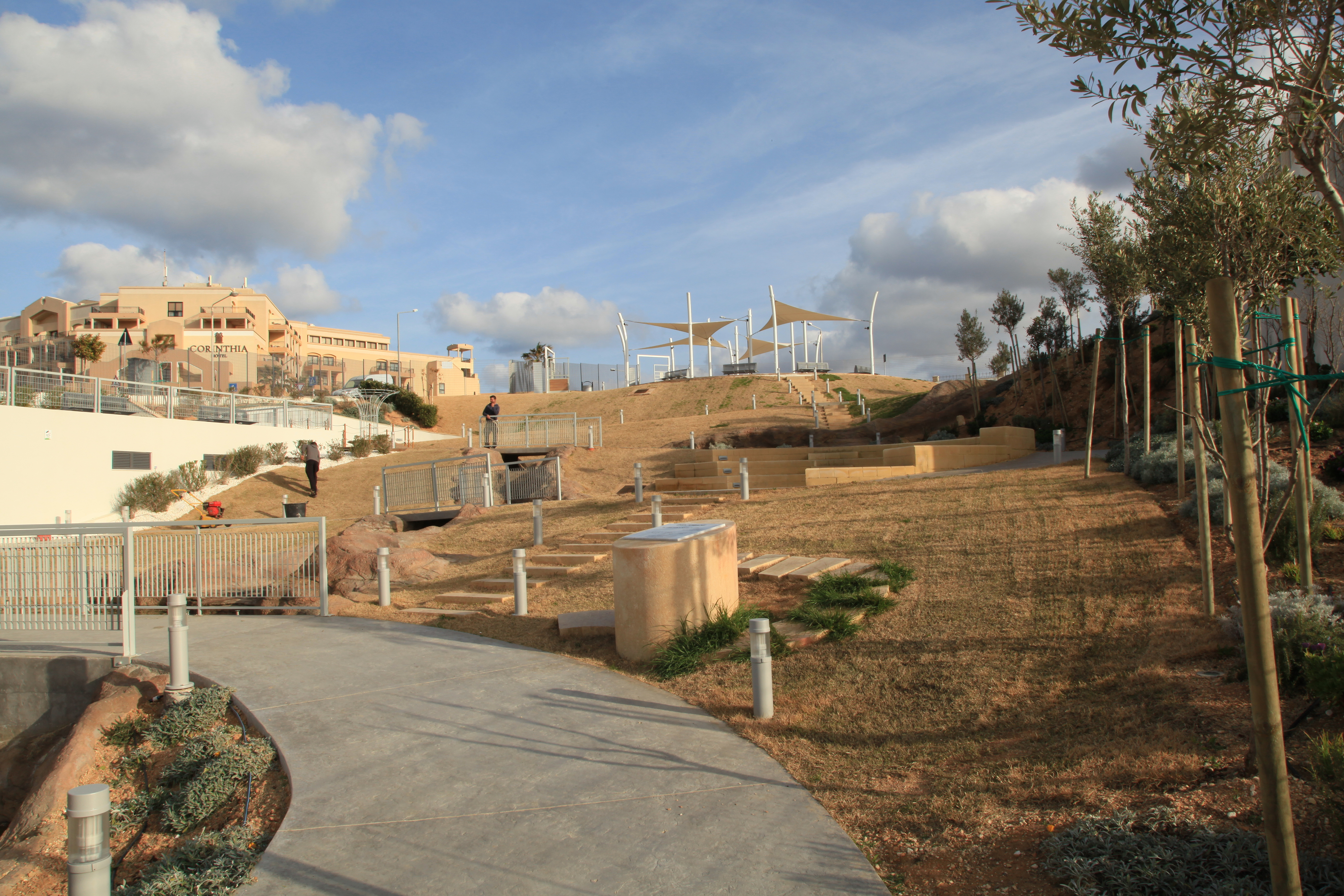 File:Malta - Pembroke - Triq Pietro D\'Armenia - Pembroke Gardens 03 ...