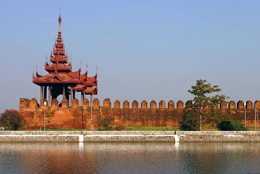 "「Mandalay Fort」的圖片搜尋結果"""