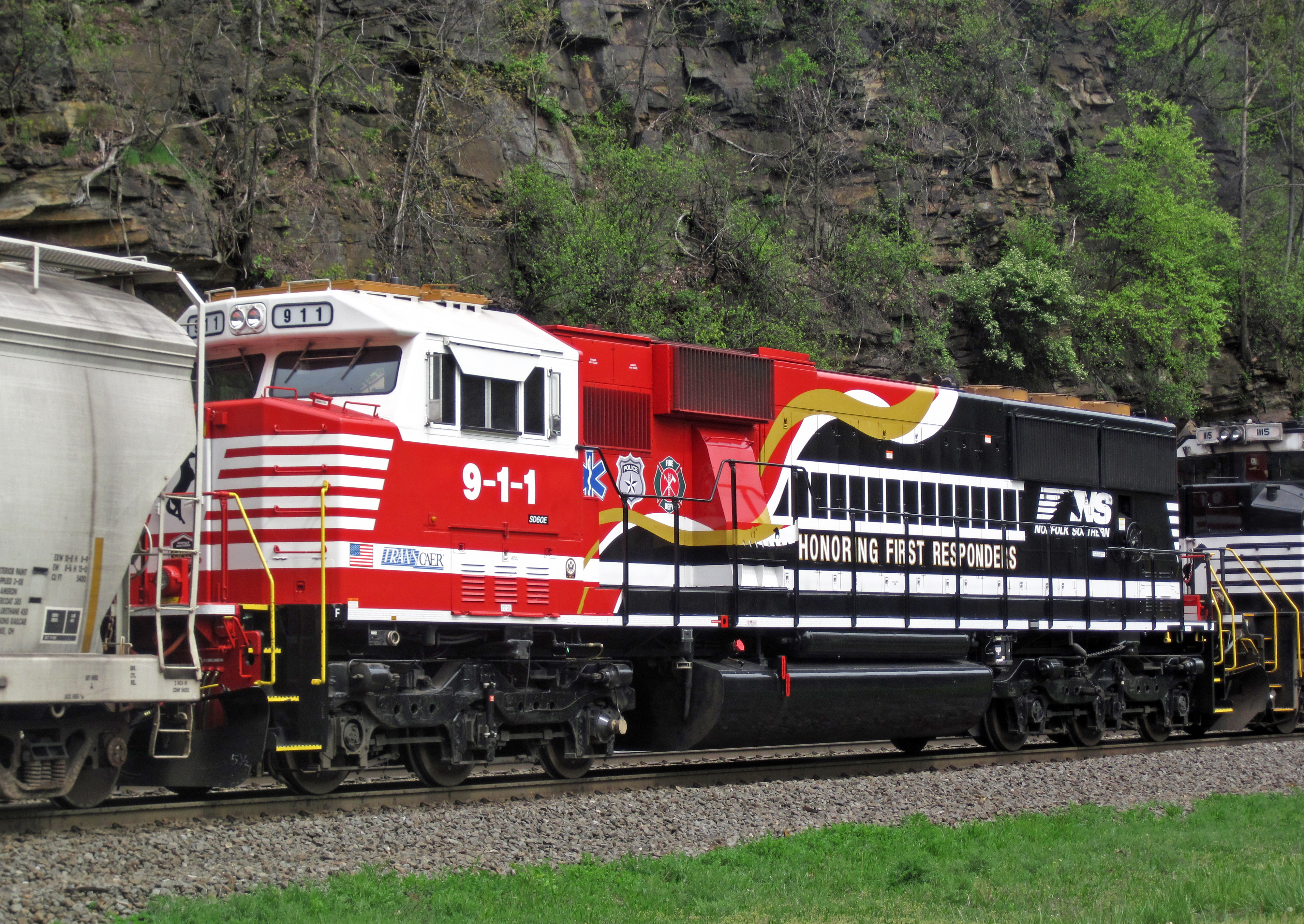 Amazing File:Norfolk Southern Railway   911 Diesel Locomotive (SD60E) (Horseshoe  Curve,