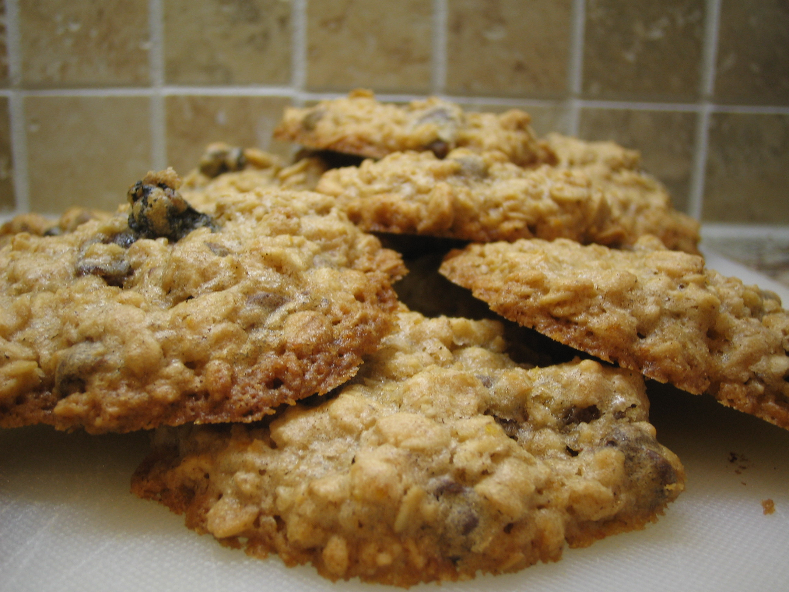 File:Oatmeal Cookies with orange zest, golden raisins, and chocolate ...