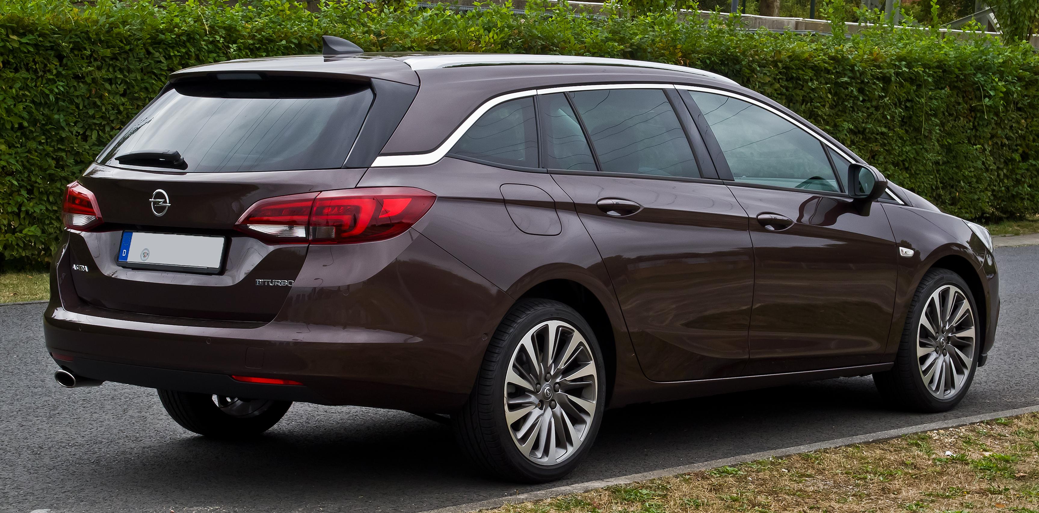 File:Opel Astra Sports Tourer 1.6 BiTurbo CDTI ecoFLEX Innovation (K) – Heckansicht, 28 ...