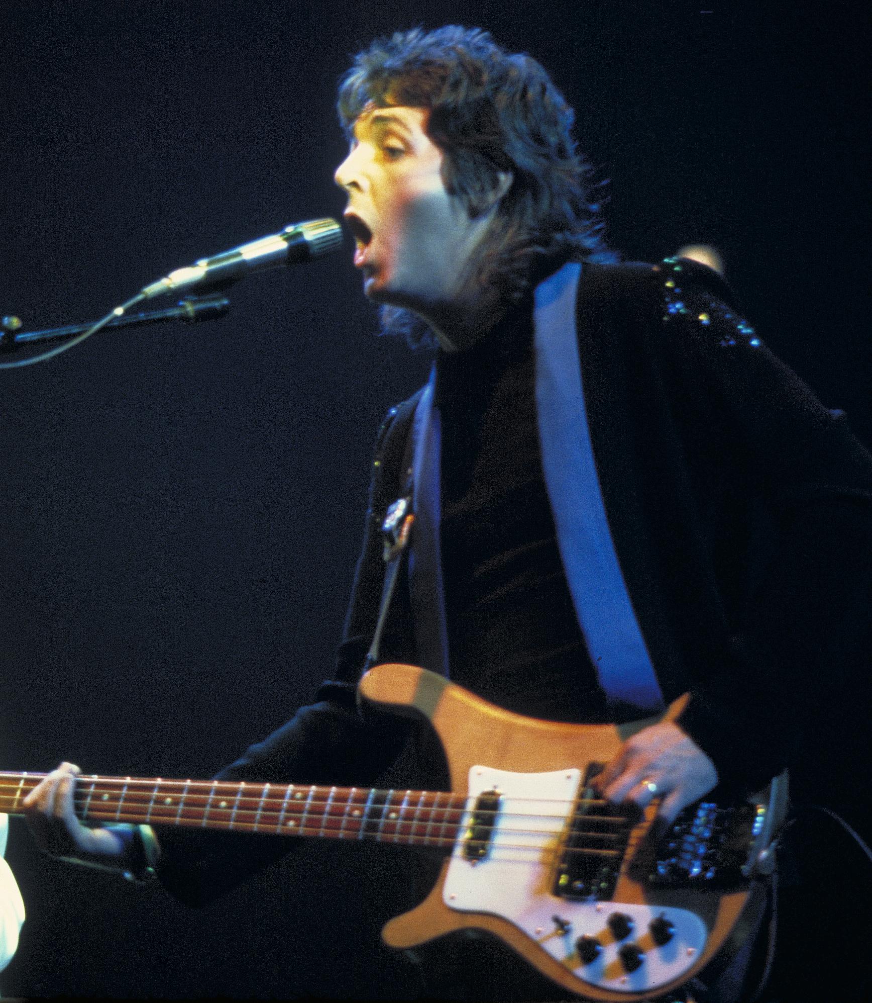 paul mccartney left handed bass player